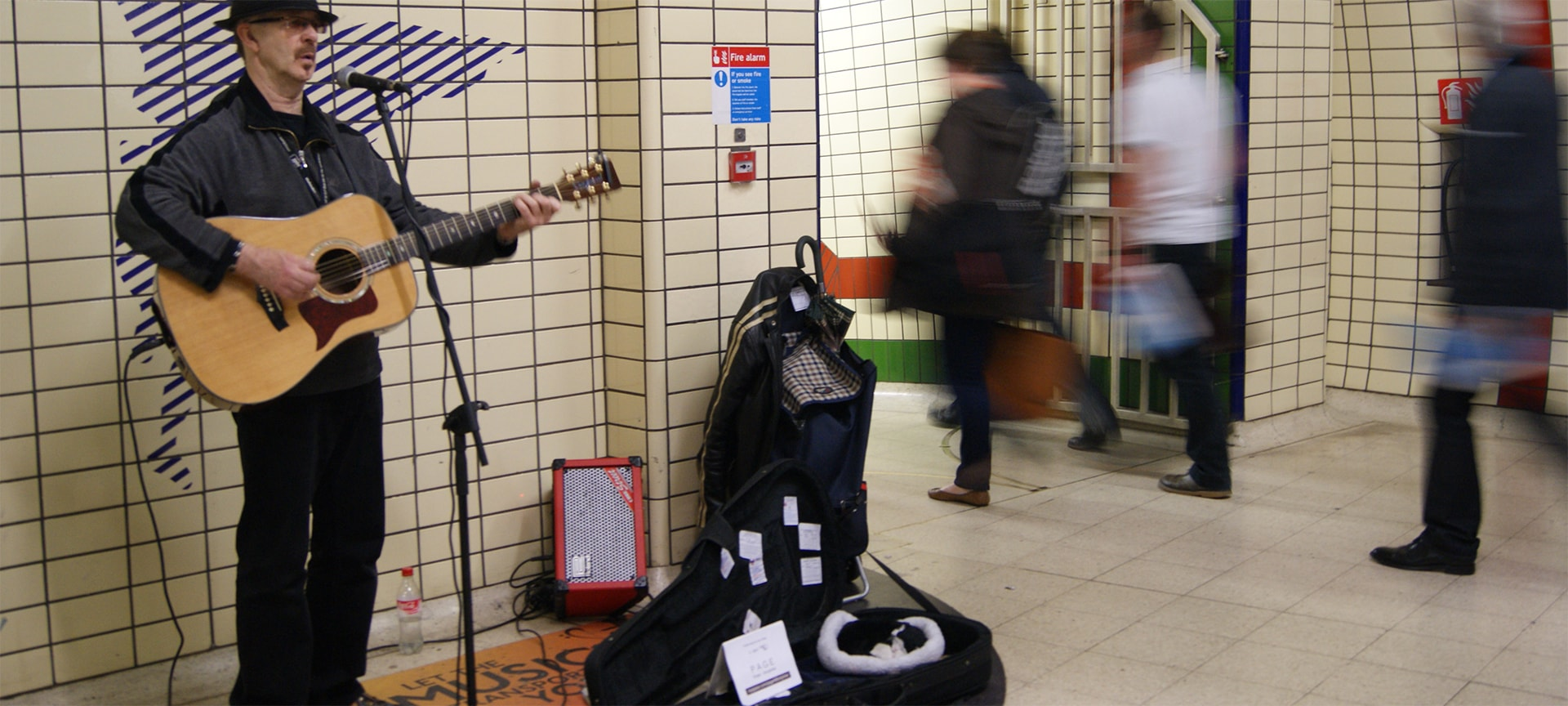 The London Underground Busking Scheme is a hit with performers and the travelling public. Passengers enjoy more than 100,000 hours of live music, performed every year by professional, talented buskers. Licensed buskers have a unique audience of around 3.5 million Tube passengers every day.