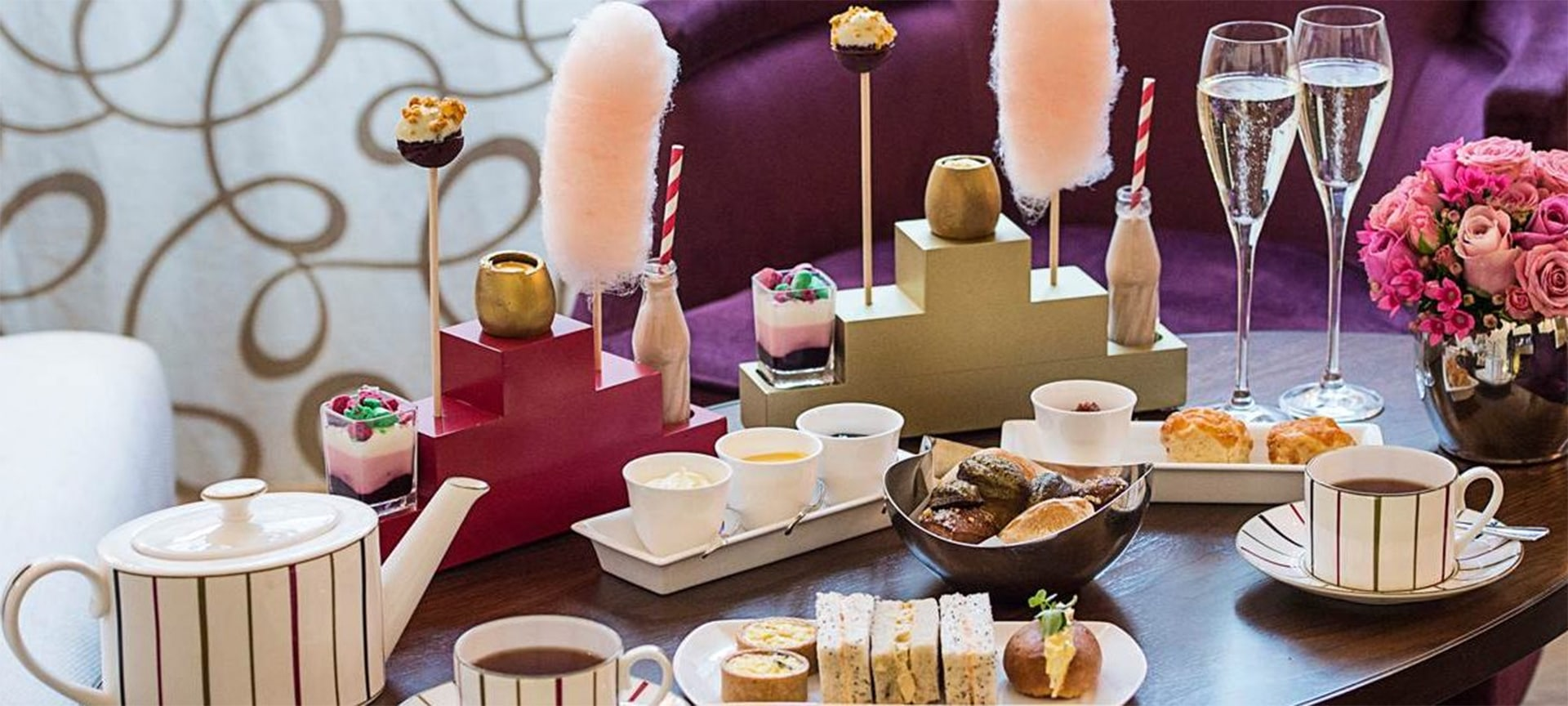 A treat for children and grown-ups alike – no golden ticket necessary. Based on the beloved Roald Dahl tale, this tea includes whimsical treats like homemade candy floss, blueberry and white chocolate cake pops, and bubble gum panna cotta. Be sure to save room for the pièce de résistance – a golden chocolate egg filled with vanilla cheesecake and mango.