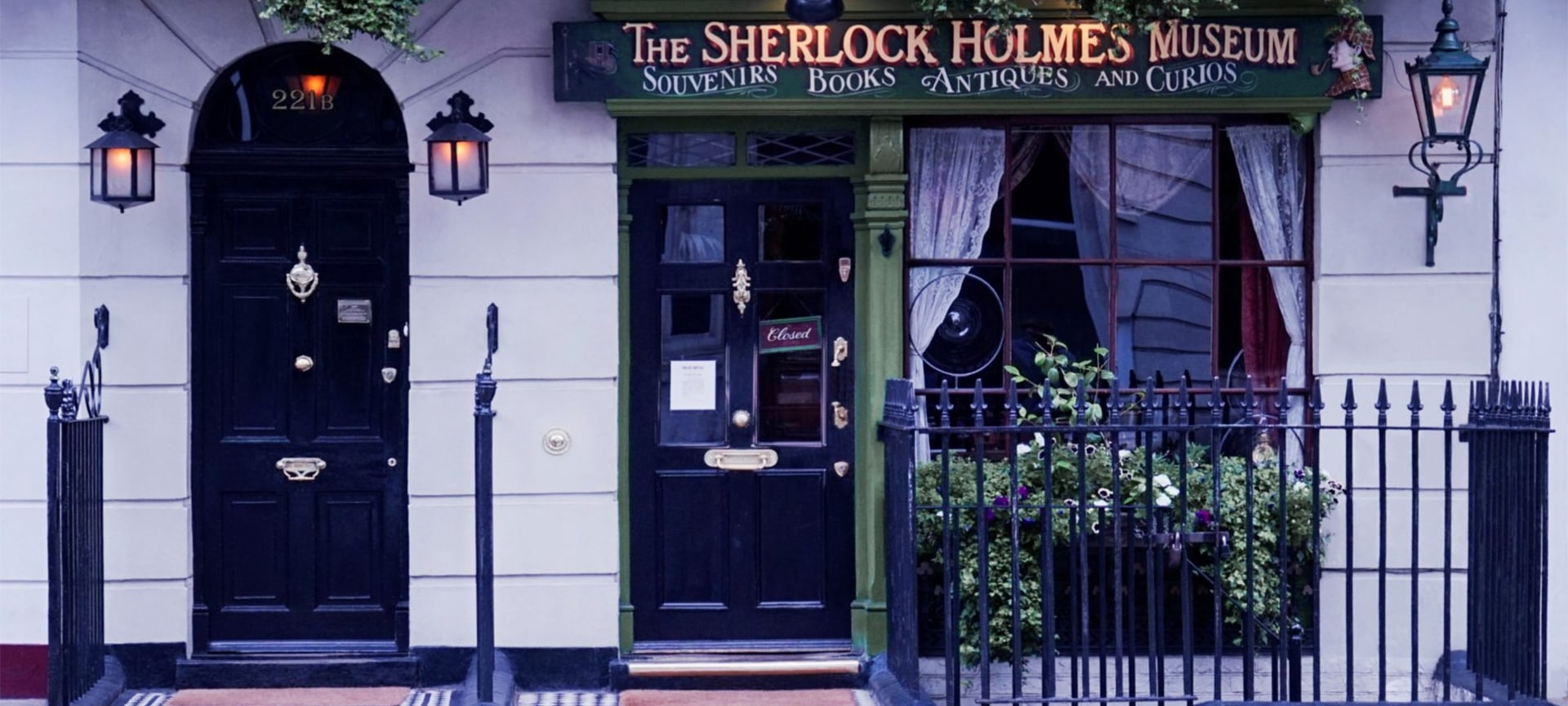 Escape the London bustle, step back in time, and enter a world of gas light, Victorian curiosities, and many of the objects, letters and characters from Sherlock Holmes' most famous cases.